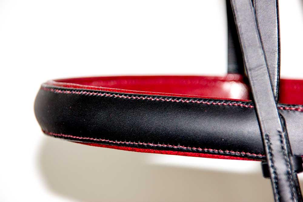 muserolle bridon dressage noir et rouge