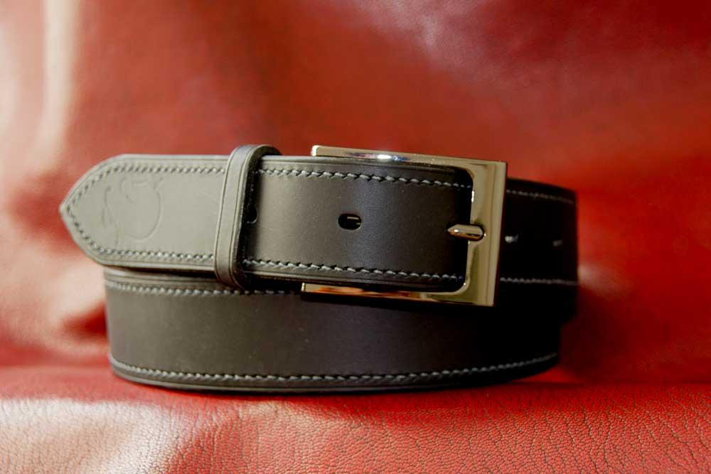 ceinture noire boucle canon de fusil couture gris anthracite