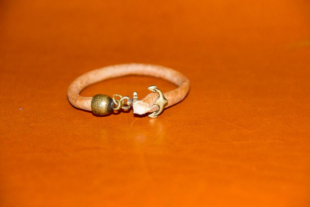 bracelet cuir rond, fermoir ancre marine